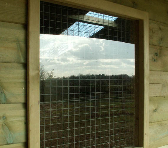FIXED TIMBER STABLE BLOCK WINDOW UPGRADE